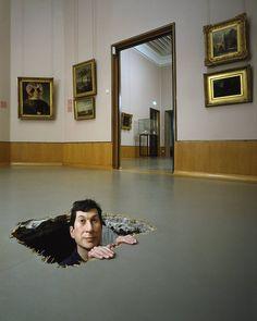 Untitled (Manhole) (Zonder titel), Maurizio Cattelan, 2001 | Museum Boijmans Van Beuningen