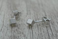Ohrstecker - Quadratischer Ohrstecker aus 925er Silber, 3 mm - ein Designerstück von Volodymyr-Batih bei DaWanda