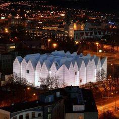 a concert hall Szczecin - poland Danzig, Glass Building, City Landscape, Modern City, Modern Glass, Concert Hall, Warsaw, Listening To Music, Cities