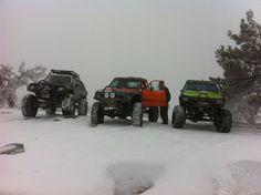 Toyota 'em in the snow! Toyota 4x4, Toyota Trucks, 4x4 Trucks, Cool Trucks, Cool Cars, Tacoma Truck, Land Cruiser, Sick, Monster Trucks