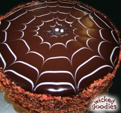 Spider Cake Draped in Chocolate Glaze with Inlaid Spider Web Decoration Chocolate Glaze Recipes, Flourless Chocolate Cakes, Chocolate Ganache, Melting Chocolate, Spider Cake, 50th Anniversary Cakes, Glazed Pecans, Cake Writing
