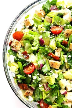 Chicken Bacon and Avocado Salad. Chicken Bacon and Avocado Chopped Salad -- This salad is loaded with so many awesome flavors and it has the best red wine vinaigrette! Soup Recipes, Chicken Recipes, Cooking Recipes, Oven Recipes, Cooking Tips, Orzo, Tortellini, Healthy Salads, Healthy Recipes