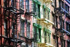 SoHo in New York - Informationen zur South of Houston Street Gotham, Monuments, Photo New York, Harlem, Ville New York, Houston Street, New York Tours, Empire State Of Mind, New York Street Style