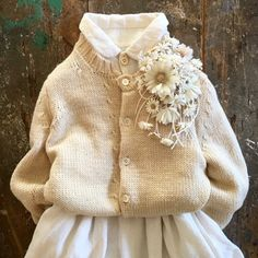 Cloth Flowers, Silk Flowers, Fabric Flowers, Music Crafts, Craft Accessories, Handmade Flowers, Corsage, Types Of Fashion Styles, Crochet