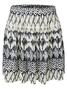 Print skirt from VERO MODA. Print is cool for festival style and very practical ;-)
