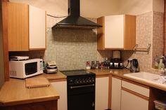 Die Küche. Die Küchen.  Eine nette, kleine Küche. Sie ist mit allem ausgestattet was man zum Kochen braucht.