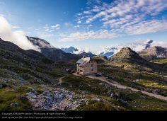 Foto 'Sonnenaufgang an der Wanderhütte' von 'derProjektor'