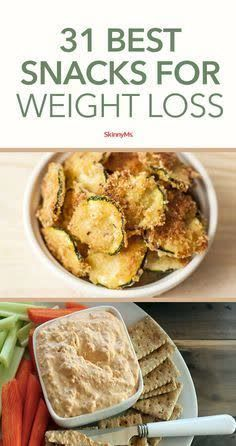 When you think of the best snacks for weight loss you might assume a piece of celery is on the list. But who needs boring and bland when there are so many sensational recipes out there? This list features delicious options to curb your craving for processed chips and cookies and fattening and sugary dips and candies. #skinnysnacks #weightlossfoods Weight Loss Snacks, Weight Loss Meal Plan, Fast Weight Loss, How To Lose Weight Fast, Body Cleanse Drink, Speed Up Metabolism, Fiber Rich Foods, Low Fat Diets, Diet Recipes