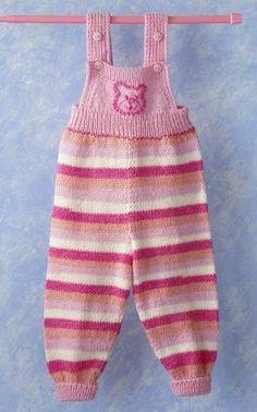 Suurenna kuva Sabrina Carpenter, Rowan Blanchard, Baby Knitting Patterns, Knitting Yarn, Knitting Machine, Baby Lernen, Matching Sweaters, Crochet For Boys, Other Outfits