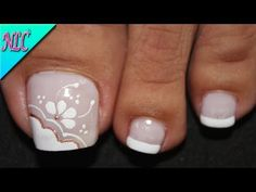 Toe Nail Flower Designs, Bridal Nails Designs, Bridal Nail Art, Toe Nail Color, Toe Nail Art, Pretty Toe Nails, Love Nails, Nail Art Pieds, Feet Nail Design