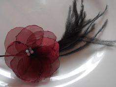 Organza hair flower...  Flor de Organza para el Cabello...