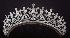 Cartier diamond tiara with alternating heart shaped motif. Inspiration for a tiara made by Andrew Prince for Downton Abbey.