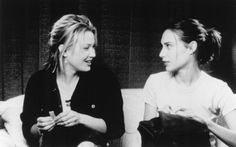 Still of Joey Lauren Adams and Claire Forlani in Mallrats