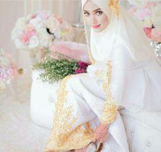 Wedding hijab.....white and gold themed photo by Muhammad Halqiqi