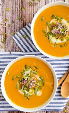 The creamiest dreamiest and healthiest butternut squash sweet potato soup Raw Food Recipes, Soup Recipes, Vegetarian Recipes, Cooking Recipes, Healthy Recipes, Healthy Soups, Recipes Dinner, Healthy Food, Butternut Squash Soup
