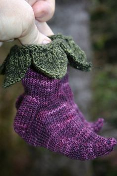 Knitted Elvish Baby Booties with Pattern