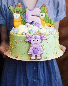 199 отметок «Нравится», 5 комментариев —  ТОРТЫ РУЧНОЙ СБОРКИ (@karamelan_homebakery) в Instagram: «Что удивительно, предыдущее фото торта со мной собрало столько лайков, сколько не собирает тортик…»