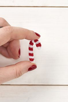 Micro crochet candy cane pdf crochet pattern - MollieMakes advent calendar day 6 by AmigurumiBarmy on Etsy