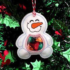 Felt Christmas, Christmas Crafts, Christmas Decorations, Christmas Ornaments, Free Machine Embroidery Designs, Embroidery Fonts, Embroidery Store, Machine Applique, Vintage Embroidery