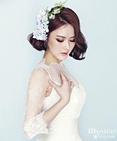 Suggestions To Have A Genuinely Urban Bridal Makeup For Asian Brides Bridal Beauty, Bridal Makeup, Wedding Makeup, Bridal Hair, Hairdos For Short Hair, Asian Short Hair, Short Hair Styles, Korean Wedding Hair, Wedding Hair Half