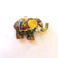 #cloisonneelephant #elephantpendant #vintageelephant