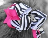 The Hair Candy Store brings you beautiful clothing and accessories for fashionable girls, from babies and toddlers to tweens, elegant childrens clothing and accessories.  We have a wide range of gift ideas for your little girl - luxurious and beautiful fashions that are just as beautiful as your baby girl!  Baby blankets, designer clothes and hair accessories, baby bows and pretty hair flowers, toddler baby hats, fashionable pettiskirts and other hip clothing products-i-love baby-clothes