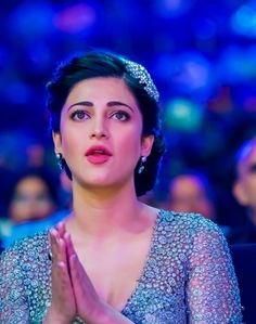 Shruti Hassan - Shruti Hassan Photos, Shruti Hassan Stills Actress Anushka, Bollywood Actress Hot, Beautiful Bollywood Actress, Beautiful Actresses, Indian Bollywood, Tamil Actress, Beautiful Girl Indian, Most Beautiful Indian Actress, South Actress