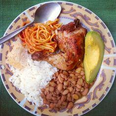 moro de habichuelas rojas con espaguetis  Comida Dominicana  Food Ethnic recipes y Food drink