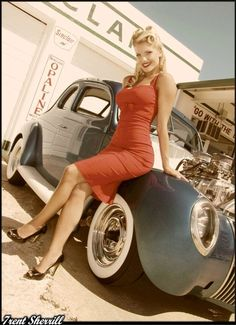 pin upmodeling by old cars | Video: Photographer's Work Maintains Old School Pin Up Style