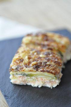 gratin courgette saumon comme des lasagnes sans pâte - Blog cuisine avec du chocolat ou Thermomix mais pas que Fish Recipes, Snack Recipes, Cooking Recipes, Healthy Recipes, Salmon Recipes, Pasta, Zucchini, Yule, Cuisine Diverse