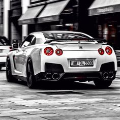 Beast in white - Nissan GT-R