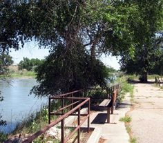 Edness Kimball Wilkins State Park path - Article about the park by the Casper Journal
