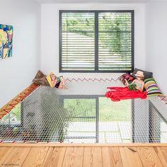 Hammock floor - an original relaxation space Hammock Netting, Hammock Bed, Indoor Hammock, Design Patio, House Design, Design Design, Kids Bedroom, Bedroom Decor, Home Network