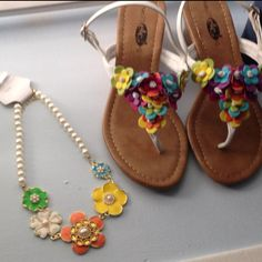 My perfect necklacd and sandals for Easter! ❤