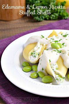 Edamame paired with lemon ricotta cheese is the perfect substitute for meat in these vegetarian stuffed shells with a cauliflower sauce. #soyswaps #ad @soyfoods