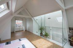 loftwoning Delfshaven // zolder met slaapkamer en douche in dakkapel //  loft in Rotterdam // bedroom attic with shower in dormer
