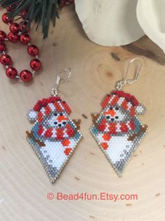 Seed Bead Earrings, Beaded Earrings, Seed Beads, Beaded Jewelry, Bead Loom Patterns, Beading Patterns, Seed Bead Projects, Beaded Shoes, Christmas Earrings