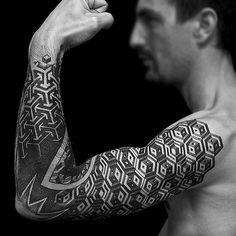 Bras Rachel Nouveau Labo #tattoo #tatouage #bras #rachel #nouveaulabo #bordeaux