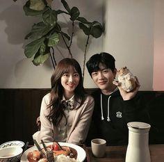 Richtea and a hamster. Korean Couple, Best Couple, Kpop Couples, Cute Couples, Drama Korea, Korean Drama, Ulzzang Couple, Ulzzang Girl, Teen Web