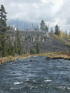 Gardner River - Sheep Eater Cliffs in Yellowstone NP | Fly dreamers