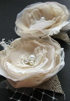 Fabric flower idea, but smaller and without the birdcage netting or burlap.