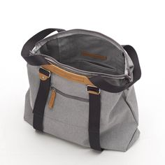QWSTION -SIMPLE ZIPTOTE ORGANIC RAWCYCLED - We've always liked simple holdalls, but also the comfort of a backpack when carrying some weight. Our new Simple Ziptote offers both. With a volume suited for daily use, an outside and some inside pockets and our Simple-Strap-System®, you get lots of versatility with classic style. Artistic Installation, Classic Style, Organic Cotton, Backpacks, Pockets, Simple, Bags, Clothes, Collection