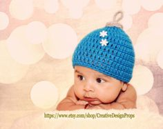 Crochet Newborn Baby Christmas Ornament Hat, Photo Prop, Holiday Newborn Hat, Boy or Girl Hat, Newborn christmas outfit, Red, Blue,