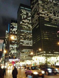 photo:(c)beautflstranger 6th avenue NYC