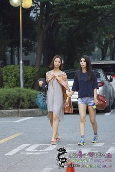 Girl's Day HyeRi and SoJin