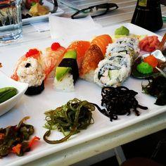 Dagens lunch på smarriga Svenska Sushiköket! #lunch #sushi #proppmätt