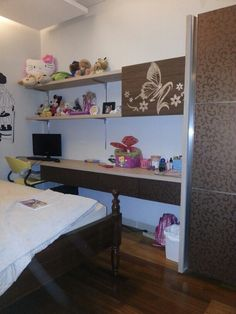 Queen 2-Raffles Hills: girl's bedroom