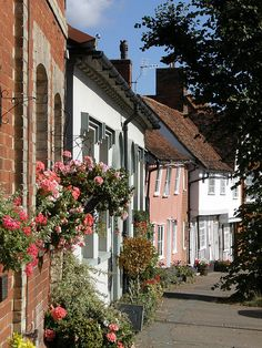 Lavenham, Suffolk, England - Love this and wish I could go back to England to see my ancestors place the came from. Suffolk England, Suffolk Coast, England Uk, Wonderful Places, Beautiful Places, Places In England, Medieval Houses, English Village, British Countryside