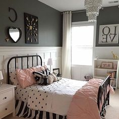 Vintage Bedroom Ideas For Girls Bedrooms. Pick one cute bedroom style for teen girls, more DIY Dream Castle bedroom ideas will be shown in the gallery and get inspired! #teengirlbedroomideasvintage