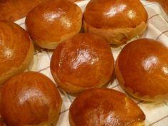 recipe_for Hamburger zsemle Hungarian Recipes, Hamburger, Pretzel Bites, Bacon, Muffin, Bread, Breakfast, Food, Recipes
